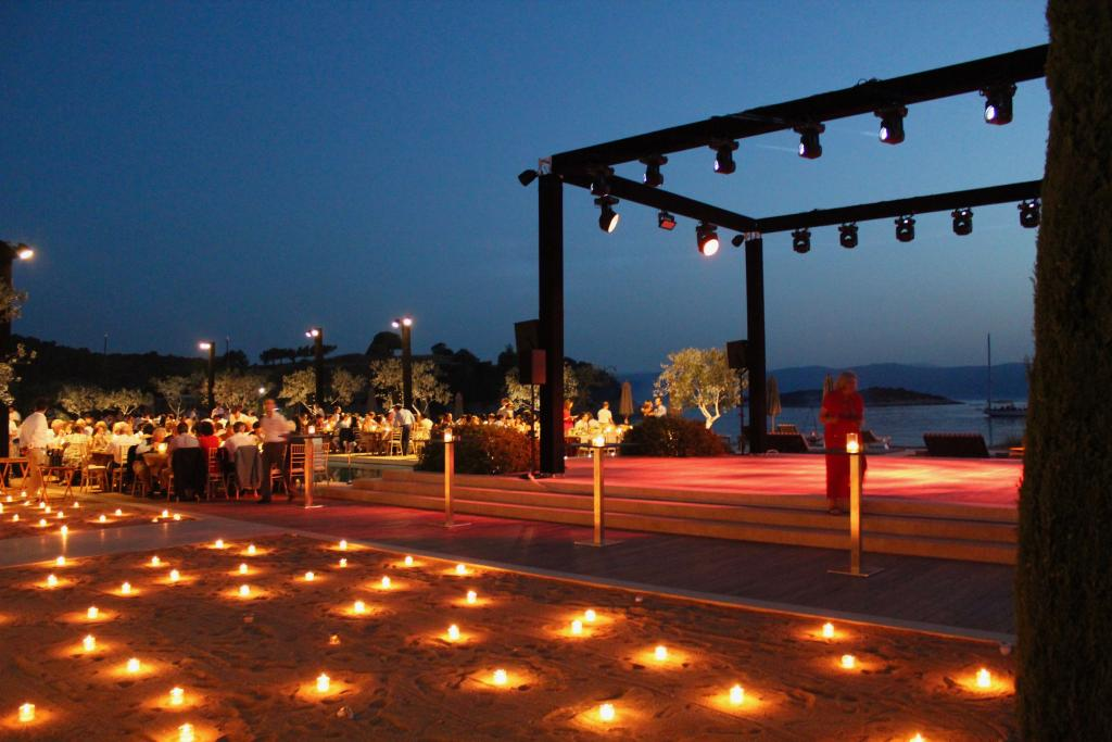 M&G Amanzoe pre-wedding beach party - Image 7