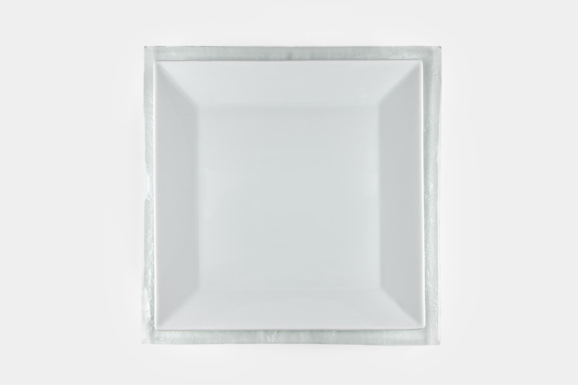 Square glass charger - Image 1